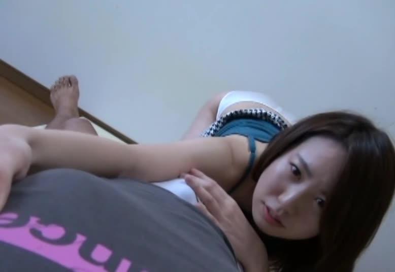 男を責めるのが大好きなお姉さんたちが淫語責めしてくれる主観動画